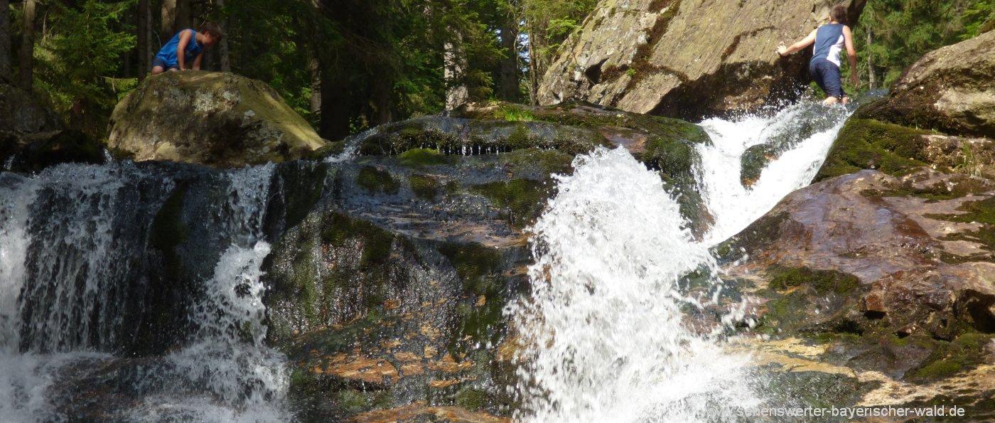 ausflugsziele-bayerischer-wald-freizeitangebote-bodenmais-risslochwasserfall